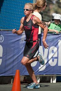 Melissa Rollison - Run Leg: Noosa Triathlon, Noosa Heads, Sunshine Coast, Queensland, Australia; 31 October 2010.