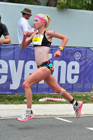 Clare Geraghty - Run Leg: Noosa Triathlon, Noosa Heads, Sunshine Coast, Queensland, Australia; 31 October 2010.