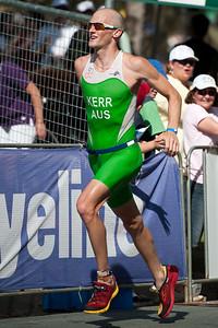3rd place: Peter Kerr - Run Leg: Noosa Triathlon, Noosa Heads, Sunshine Coast, Queensland, Australia; 31 October 2010.