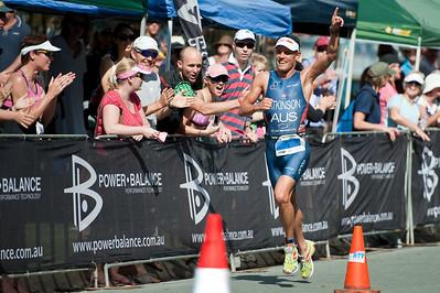 Winner Courtney Atkinson - Run Leg: Noosa Triathlon, Noosa Heads, Sunshine Coast, Queensland, Australia; 31 October 2010.
