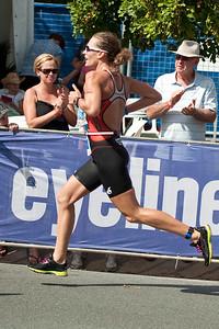 Women's Winner Caroline Steffen - Run Leg: Noosa Triathlon, Noosa Heads, Sunshine Coast, Queensland, Australia; 31 October 2010.