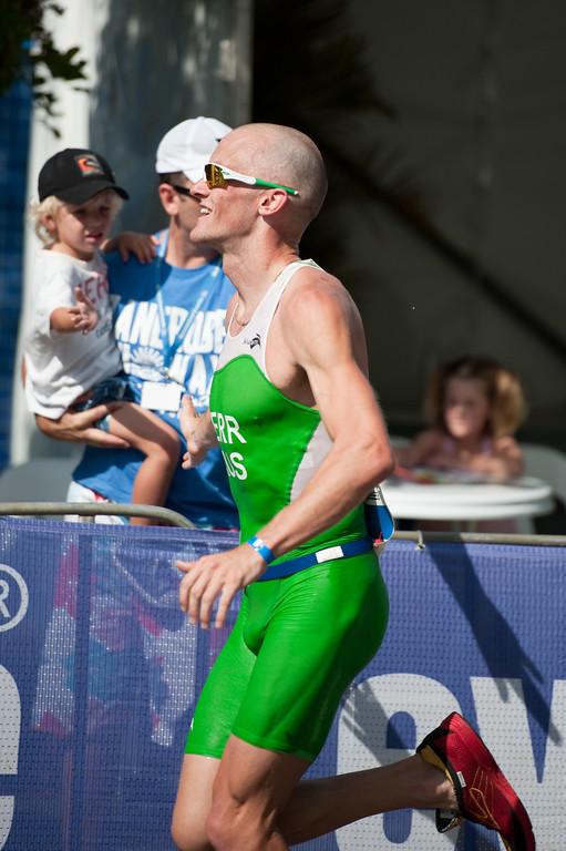 Peter Kerr in third place - Run Leg: Noosa Triathlon, Noosa Heads, Sunshine Coast, Queensland, Australia; 31 October 2010.
