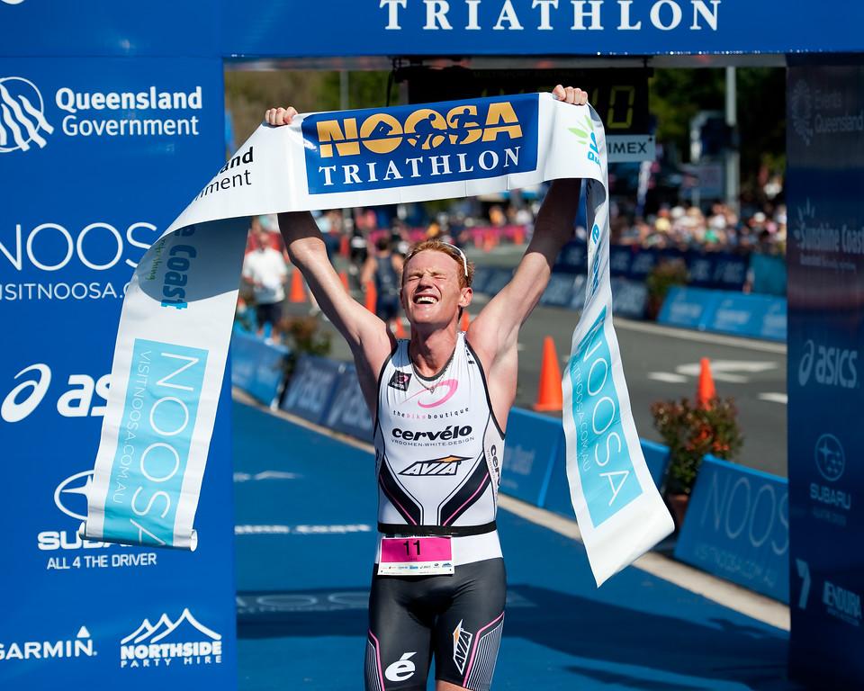 Men's Winner David Dellow - 2011 Noosa Triathlon, Noosa Heads, Sunshine Coast, Queensland, Australia; 30 October 2011.