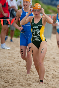 Charlotte McShane - 2011 Mooloolaba ITU World Cup Triathlon - Women. Mooloolaba Triathlon Festival, Sunday 27 March 2011, Sunshine Coast, Queensland, Australia. Photos by Des Thureson:  http://disci.smugmug.com.