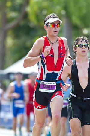 Run Leg - 2011 Noosa Triathlon, Noosa Heads, Sunshine Coast, Queensland, Australia; 30 October 2011.