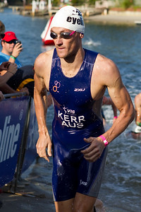 Peter Kerr - 2011 Noosa Triathlon, Noosa Heads, Sunshine Coast, Queensland, Australia; 30 October 2011.