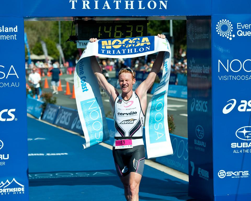 2011 Men's Winner David Dellow - 2011 Noosa Triathlon, Noosa Heads, Sunshine Coast, Queensland, Australia; 30 October 2011.