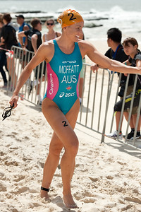 Emma Moffatt - 2012 Subaru Mooloolaba Women's ITU Triathlon World Cup; Mooloolaba, Sunshine Coast, Queensland, Australia; 25 March 2012. Photos by Des Thureson - disci.smugmug.com.