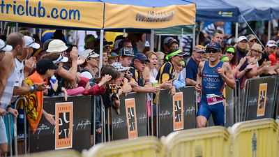 Three times winner, dual Olympian Courtney Atkinson - Run Leg - 2012 Noosa Triathlon, Noosa Heads, Sunshine Coast, Queensland, Australia; 4 November 2012. Photos by Des Thureson. Camera 1.