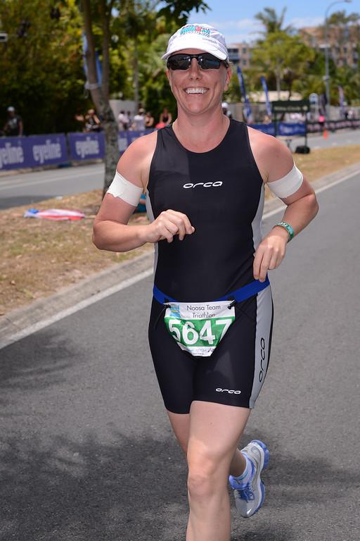 Run Leg - 2012 Noosa Triathlon, Noosa Heads, Sunshine Coast, Queensland, Australia; 4 November 2012. Photos by Des Thureson. Camera 1.