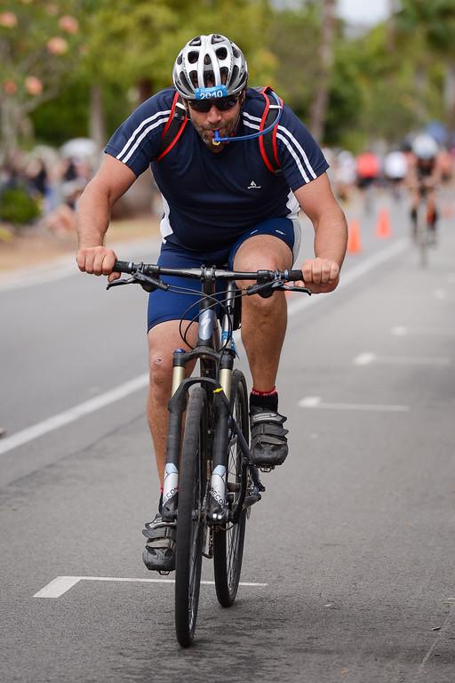 Bike Leg - 2012 Noosa Triathlon, Noosa Heads, Sunshine Coast, Queensland, Australia; 4 November 2012. Photos by Des Thureson. Camera 1.