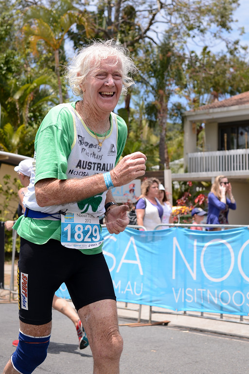 80 Year Old Markus Hanley - Run Leg - 2012 Noosa Triathlon, Noosa Heads, Sunshine Coast, Queensland, Australia; 4 November 2012. Photos by Des Thureson. Camera 1.