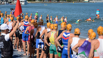 - Race Start / Swim Start - Subaru Mooloolaba Men's ITU Triathlon World Cup - Mooloolaba Multi Sport Festival Super Saturday, 15 March 2014 - Mooloolaba, Sunshine Coast, Queensland, Australia. Photos by Des Thureson - http://disci.smugmug.com - Camera 1.