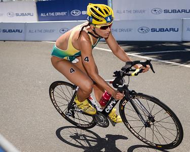 Emma Moffatt - Subaru Mooloolaba Women's ITU Triathlon World Cup - Mooloolaba Multi Sport Festival Super Saturday, 15 March 2014 - Mooloolaba, Sunshine Coast, Queensland, Australia. Photos by Des Thureson - http://disci.smugmug.com - Camera 1.