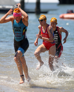 Tamara Gomez Garrido - Subaru Mooloolaba Women's ITU Triathlon World Cup -  Mooloolaba Multi Sport Festival Super Saturday, 15 March 2014. Camera 2 - Mooloolaba, Sunshine Coast, Queensland, Australia. Photos by Des Thureson - http://disci.smugmug.com
