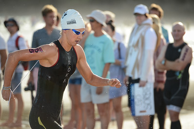 Emma Pallant - Swim Leg - 2015 Noosa Triathlon, Noosa Heads, Sunshine Coast, Queensland, Australia; 1 November. Camera 1. Photos by Des Thureson - disci.smugmug.com