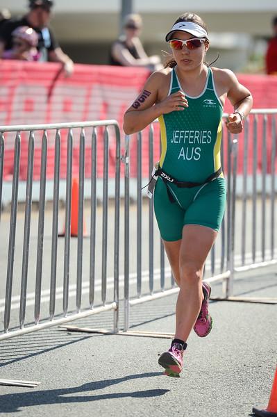 Annelise JEFFERIES - Run Leg - 2015 Noosa Triathlon, Noosa Heads, Sunshine Coast, Queensland, Australia; 1 November. Camera 1. Photos by Des Thureson - disci.smugmug.com
