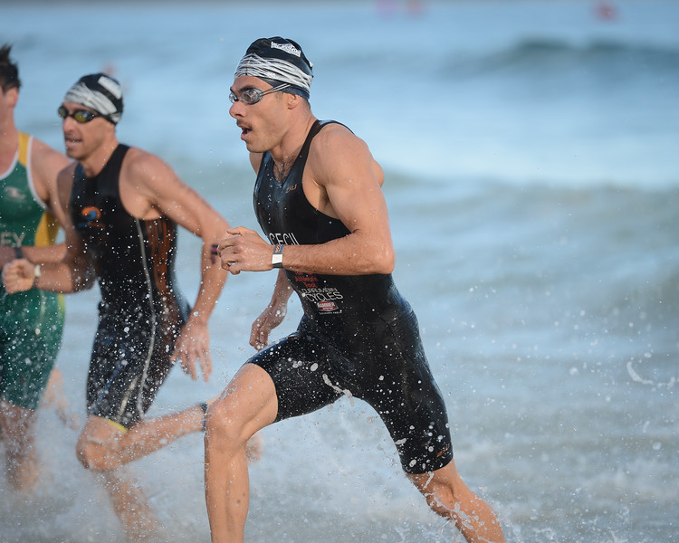 Taylor Cecil - Swim Leg - 2016 Noosa Triathlon, Noosa Heads, Sunshine Coast, Queensland, Australia; 30 October. Camera 2. Photos by Des Thureson - disci.smugmug.com