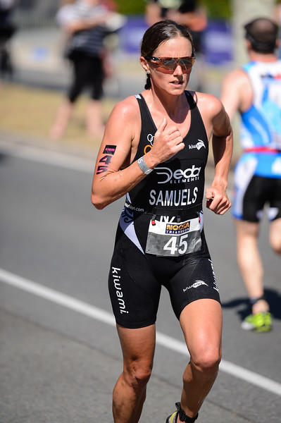 Nicky Samuels - Run Leg - 2016 Noosa Triathlon, Noosa Heads, Sunshine Coast, Queensland, Australia; 30 October. Camera 2. Photos by Des Thureson - disci.smugmug.com