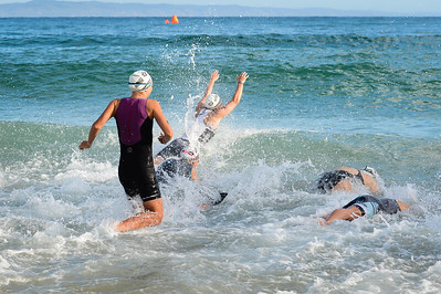 Swim Leg - 2016 Noosa Triathlon, Noosa Heads, Sunshine Coast, Queensland, Australia; 30 October. Camera 2. Photos by Des Thureson - disci.smugmug.com