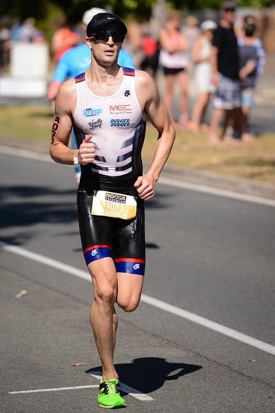 Andrew Small - Run Leg - 2016 Noosa Triathlon, Noosa Heads, Sunshine Coast, Queensland, Australia; 30 October. Camera 2. Photos by Des Thureson - disci.smugmug.com