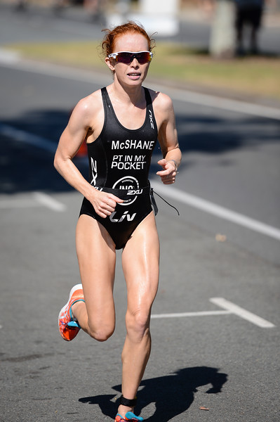 Charlotte McShane - Run Leg - 2016 Noosa Triathlon, Noosa Heads, Sunshine Coast, Queensland, Australia; 30 October. Camera 2. Photos by Des Thureson - disci.smugmug.com