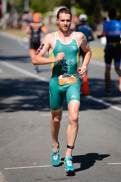 Harry Jones - Run Leg - 2016 Noosa Triathlon, Noosa Heads, Sunshine Coast, Queensland, Australia; 30 October. Camera 2. Photos by Des Thureson - disci.smugmug.com