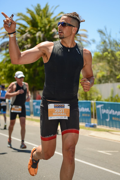 Michael SCATURCHIO -Run Leg - 2016 Noosa Triathlon, Noosa Heads, Sunshine Coast, Queensland, Australia; 30 October. Camera 2. Photos by Des Thureson - disci.smugmug.com