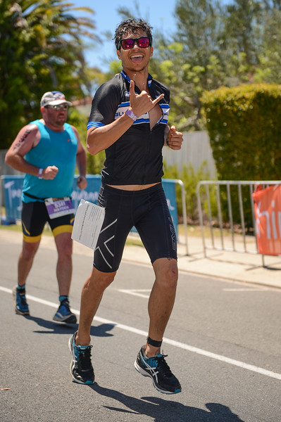 Run Leg - 2016 Noosa Triathlon, Noosa Heads, Sunshine Coast, Queensland, Australia; 30 October. Camera 2. Photos by Des Thureson - disci.smugmug.com