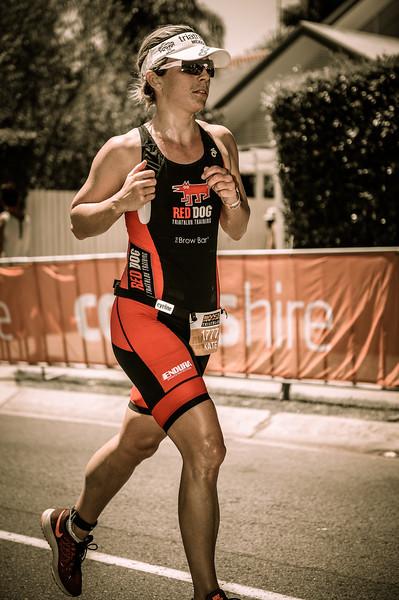 """The 300 Movie Look"" - Kate FRYER - Run Leg - 2016 Noosa Triathlon, Noosa Heads, Sunshine Coast, Queensland, Australia; 30 October. Camera 2. Photos by Des Thureson - disci.smugmug.com"
