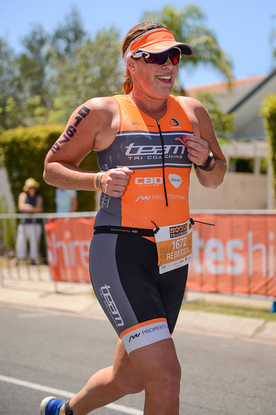 Rebecca FINLAYSON - Run Leg - 2016 Noosa Triathlon, Noosa Heads, Sunshine Coast, Queensland, Australia; 30 October. Camera 2. Photos by Des Thureson - disci.smugmug.com