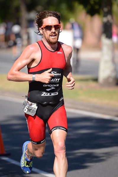 Dan Wilson - Run Leg - 2016 Noosa Triathlon, Noosa Heads, Sunshine Coast, Queensland, Australia; 30 October. Camera 2. Photos by Des Thureson - disci.smugmug.com