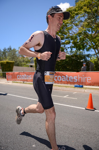 Phillip CHIPPINDALE - Run Leg - 2016 Noosa Triathlon, Noosa Heads, Sunshine Coast, Queensland, Australia; 30 October. Camera 2. Photos by Des Thureson - disci.smugmug.com