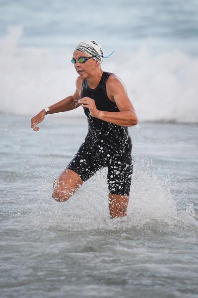 Emma Jackson - Swim Leg - 2016 Noosa Triathlon, Noosa Heads, Sunshine Coast, Queensland, Australia; 30 October. Camera 2. Photos by Des Thureson - disci.smugmug.com