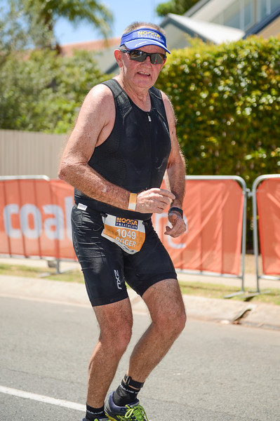 Roger CARTER - Run Leg - 2016 Noosa Triathlon, Noosa Heads, Sunshine Coast, Queensland, Australia; 30 October. Camera 2. Photos by Des Thureson - disci.smugmug.com