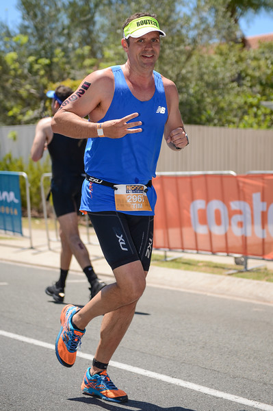 Tim MCCALLUM - Run Leg - 2016 Noosa Triathlon, Noosa Heads, Sunshine Coast, Queensland, Australia; 30 October. Camera 2. Photos by Des Thureson - disci.smugmug.com