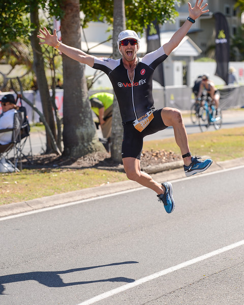Dane ROBERTS - Run Leg - 2016 Noosa Triathlon, Noosa Heads, Sunshine Coast, Queensland, Australia; 30 October. Camera 2. Photos by Des Thureson - disci.smugmug.com