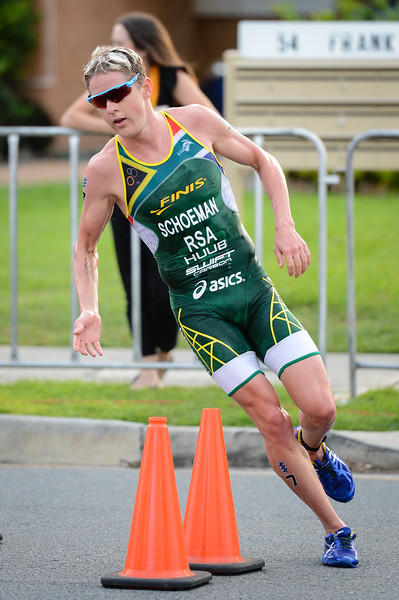 "Henri Schoeman - 2017 Gold Coast ITU Men's WTS World Triathlon, Saturday 8 April 2017; Queensland, Australia. Camera 1. Photos by Des Thureson - <a href=""http://disci.smugmug.com"">http://disci.smugmug.com</a>."