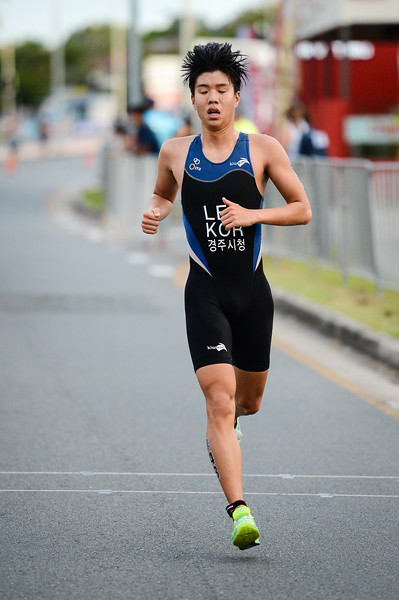"Gyuhyung Lee - 2017 Gold Coast ITU Men's WTS World Triathlon, Saturday 8 April 2017; Queensland, Australia. Camera 1. Photos by Des Thureson - <a href=""http://disci.smugmug.com"">http://disci.smugmug.com</a>."