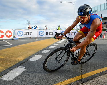 Javier Gomez Noya - 2017 Gold Coast ITU Men's WTS World Triathlon, Saturday 8 April 2017; Queensland, Australia. Camera 1. Photos by Des Thureson - http://disci.smugmug.com.
