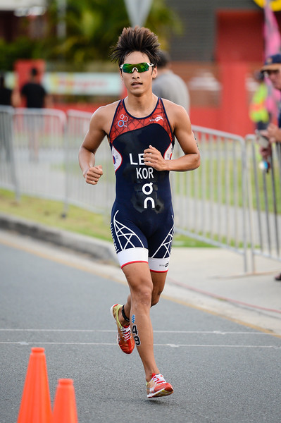 "Kwang Hoon Lee - 2017 Gold Coast ITU Men's WTS World Triathlon, Saturday 8 April 2017; Queensland, Australia. Camera 1. Photos by Des Thureson - <a href=""http://disci.smugmug.com"">http://disci.smugmug.com</a>."