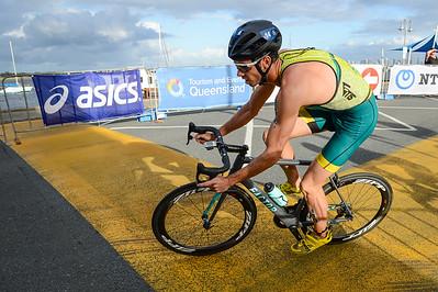 Jacob Birtwhistle - 2017 Gold Coast ITU Men's WTS World Triathlon, Saturday 8 April 2017; Queensland, Australia. Camera 1. Photos by Des Thureson - http://disci.smugmug.com.