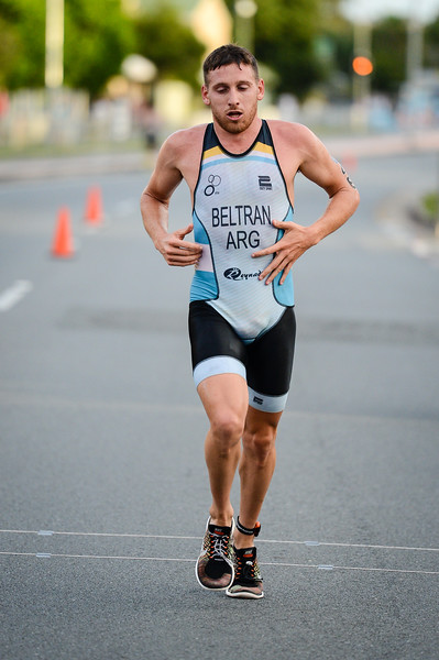 "Santiago Beltran - 2017 Gold Coast ITU Men's WTS World Triathlon, Saturday 8 April 2017; Queensland, Australia. Camera 1. Photos by Des Thureson - <a href=""http://disci.smugmug.com"">http://disci.smugmug.com</a>."