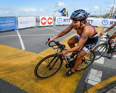 Yun-Jung Jang - 2017 Gold Coast ITU Women's WTS World Triathlon, Saturday 8 April 2017; Queensland, Australia. Camera 1. Photos by Des Thureson - http://disci.smugmug.com.