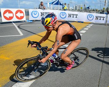 Rachel Klamer - 2017 Gold Coast ITU Women's WTS World Triathlon, Saturday 8 April 2017; Queensland, Australia. Camera 1. Photos by Des Thureson - http://disci.smugmug.com.