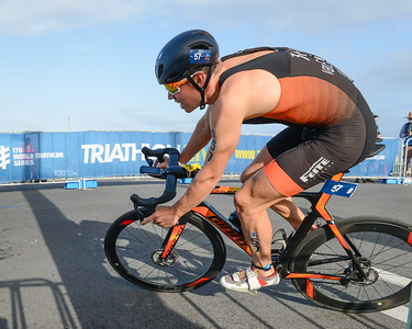 Jorik Van Egdom - Bike Leg - 2018 Gold Coast World Triathlon Men's WTS Grand Final, Sunday 16 September 2018; Queensland, Australia. Camera 1. Photos by Des Thureson - http://disci.smugmug.com.