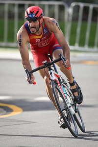 Vicente Hernandez - 2018 Gold Coast World Triathlon Men's WTS Grand Final, Sunday 16 September 2018; Queensland, Australia. Camera 2. Photos by Des Thureson - http://disci.smugmug.com.