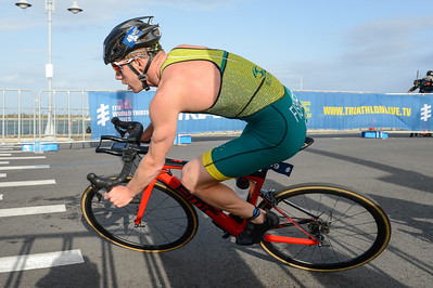 Ryan Fisher - Bike Leg - 2018 Gold Coast World Triathlon Men's WTS Grand Final, Sunday 16 September 2018; Queensland, Australia. Camera 1. Photos by Des Thureson - http://disci.smugmug.com.