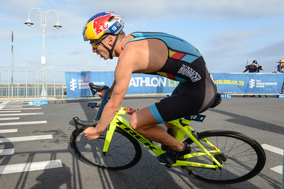 Marten Van Riel - Bike Leg - 2018 Gold Coast World Triathlon Men's WTS Grand Final, Sunday 16 September 2018; Queensland, Australia. Camera 1. Photos by Des Thureson - http://disci.smugmug.com.
