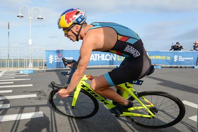 Marten Van Riel - Bike Leg - 2018 Gold Coast World Triathlon Men's WTS Grand Final, Sunday 16 September 2018; Queensland, Australia. Camera 1. Photos by Des Thureson - http://disci.smugmug.com.